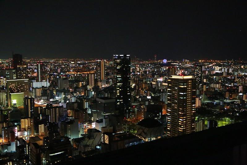 從頂樓看大阪夜景