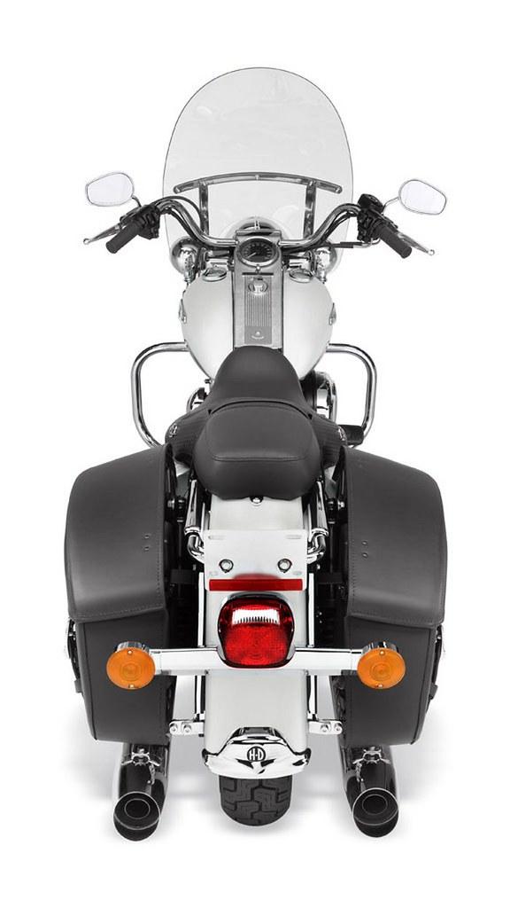Harley-Davidson 1584 ROAD KING CLASSIC FLHRCI 2007 - 23