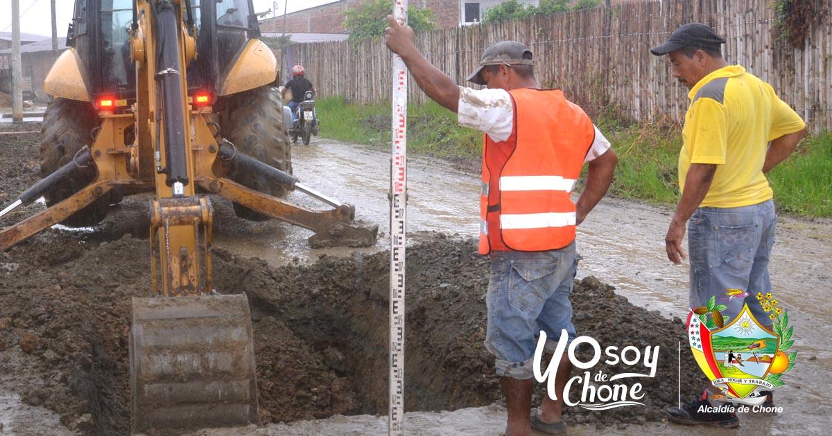 Alcaldía inició trabajos en calle Gonzalo Rivadeneira del barrio Tacheve