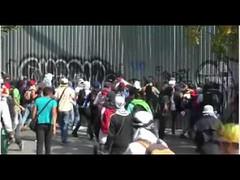 Governo Maduro reprime manifestação em Caracas - Venezuela
