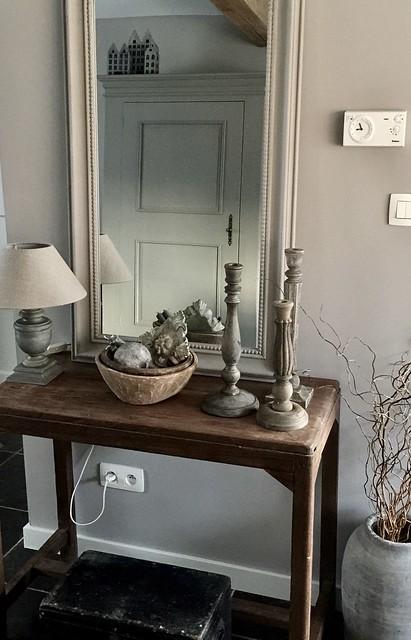 Tafel spiegel kandelaren sober