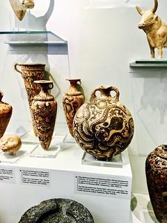 Minoan vases, Heraklion Archeological Museum