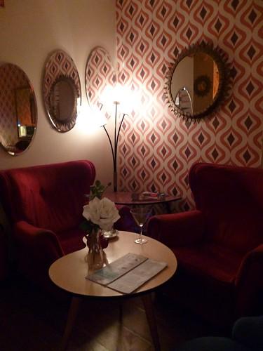 Lolina - seats 2