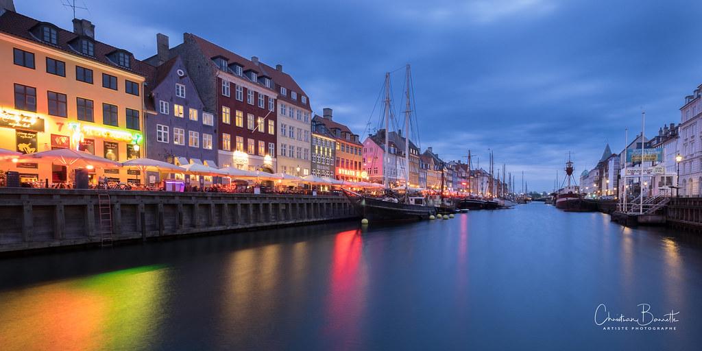 Sortir de Nyhavn/Getting out of Nyhavn/Komma ut ur Nyhavn