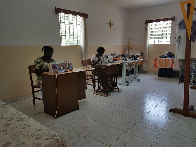 Laboratorio di cucito e ricamo a Kara in Togo