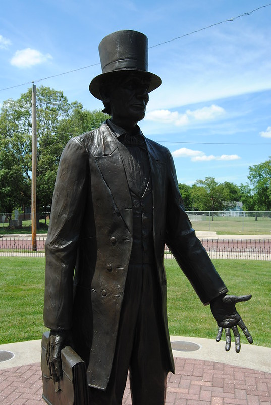 Lincoln Statue, Appellate Court, Mount Vernon, IL