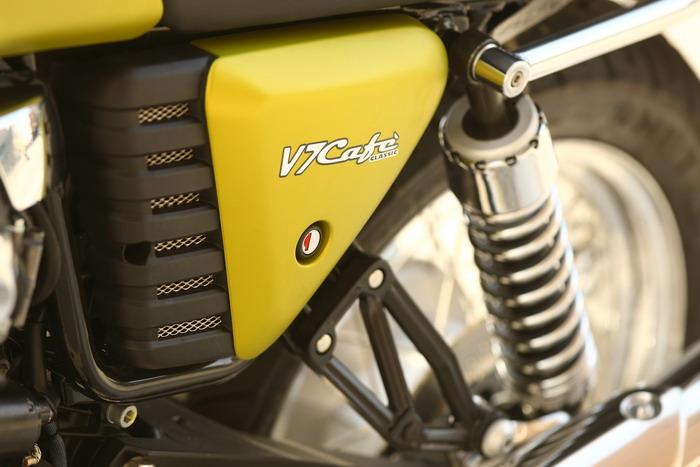 Moto-Guzzi V7 750 Cafe Classic 2010 - 20