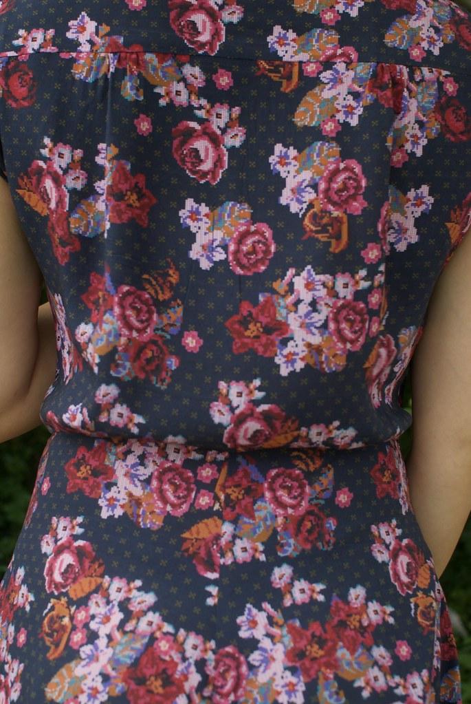 Mood Fabrics Printed Rayon Challis | Simplicity 1880