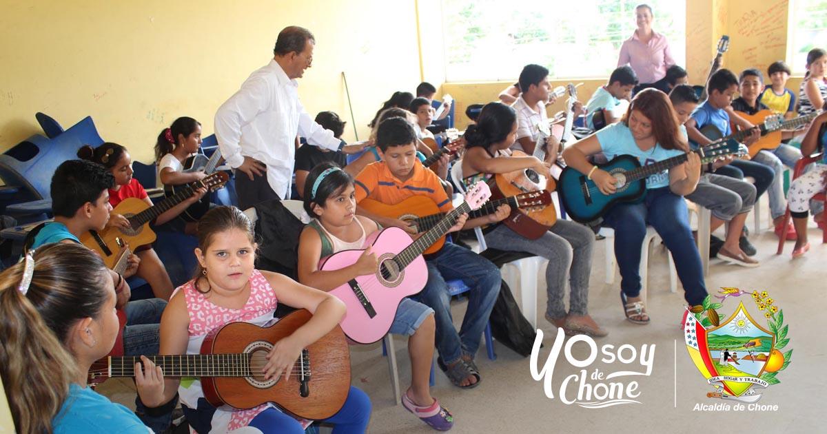 Alcaldía de Chone invita a niños y jóvenes a participar de talleres de arte y cultura