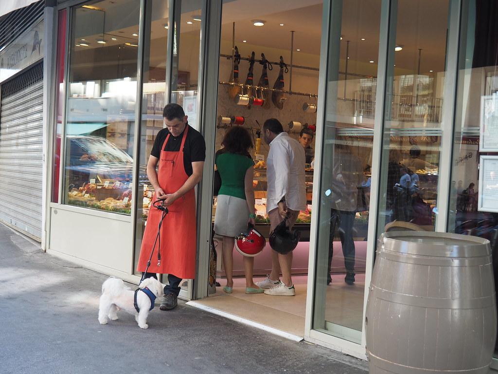 パリの世界一のお肉屋さんHugo Desnoyerで熟成肉ステーキを買う ...