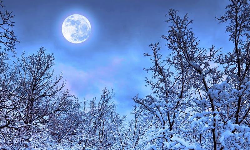 Ilustrasi: Bulan dan salju.