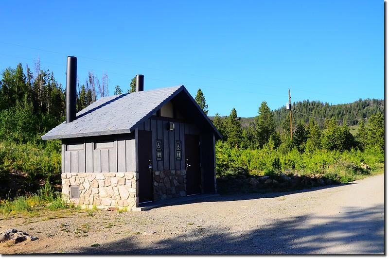 營地公廁 1