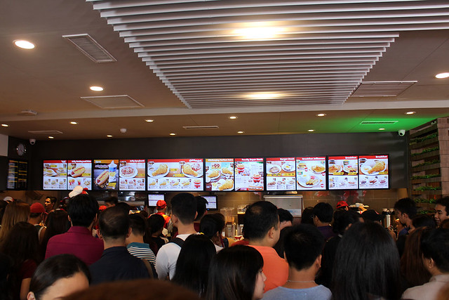 Anne Curtis Jollibee 1000 Store Duane Bacon Food Traffic Customers