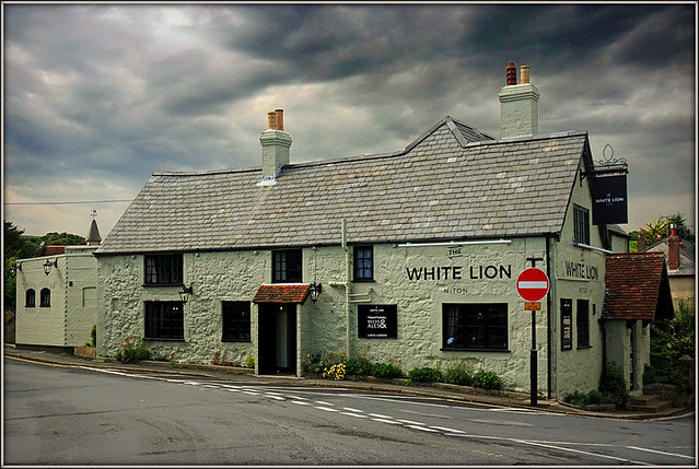 White Lion, Niton