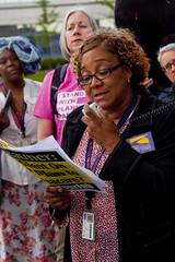 Cynthia Sylvia LPN Home Healthcare Worker SEIU Healthcare Protest at Fundraiser for Illinois Governor Bruce Rauner Rosemont 6-19-17 122