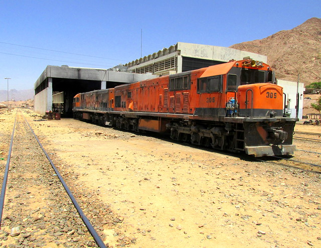 058.306 and 314 both built GE Brazil  1980 with 2150hp 7 FDL 12 engines begin to come off Aqaba depot
