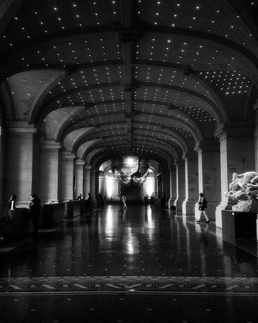 Art * Arch . . . . #lille #architecturelovers #architecture #archdaily #arkitektur #architectura #bw #bnw #bnwphotography #bnw_europe #bw_crew #noiretblanc #pretoebranco #monochrome #igersfrance #igerslille #beauxartsdelille #ig_europe