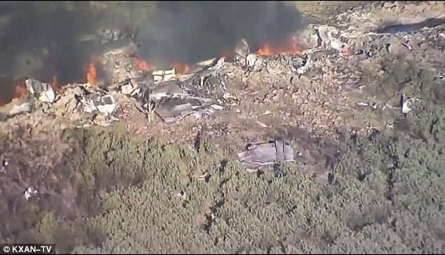 تحطم طائرة عسكرية في أمريكا  (3)