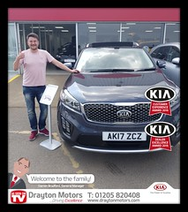 Mr Beach collecting his brand new Sorento from Jack. Mr Beach travelled all the way from London and we want to thank him for his business… Welcome to the family !