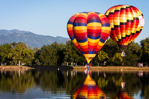 balloons colorado coloradosprings colorful entertainment floating fun laborday lakeprospect light pikespeak shadows sky sunrise transportation usa voyage festival hotair hotairballoons