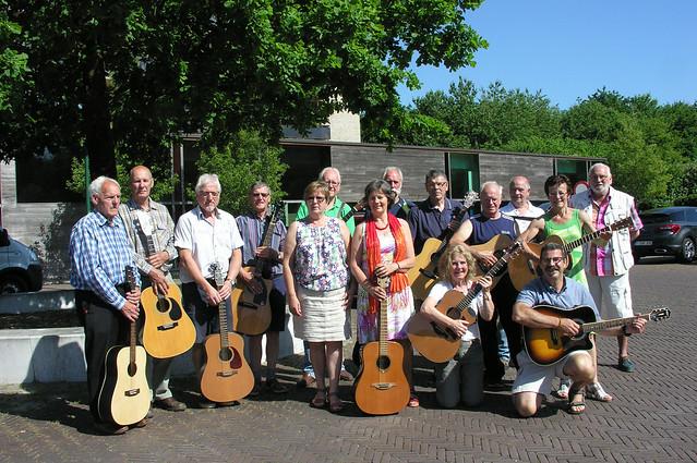 Zonneheemse gitaarclub © Antheunis Jacqueline, Nikon E8800