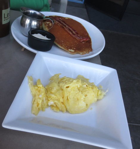 le_buzz_breakfast
