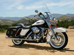 Harley-Davidson 1584 ROAD KING CLASSIC FLHRCI 2007 - 8