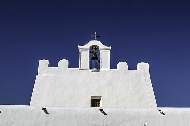 Campanario - Iglesia fortificada de Sant Jordi de ses salinas    - Ibiza -