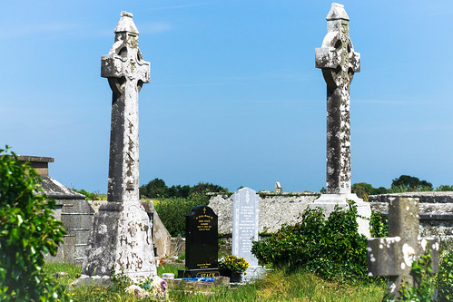 kilsinanecemetery celticcross graves countykerry ireland ie