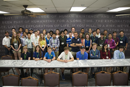 ENGN Students Visit NASA Johnson Space Center