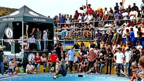 Getxo aplaude con las Neskas en el skate Park de Arrigunaga
