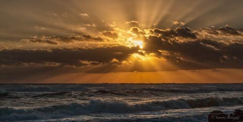 sunrise morning sea waves atlanticocean ocean water clouds exposion sky florida canon5dmkii canonef70200f4l lightroomcc googlenikcollection colorefexpro4 explosionsinthesky