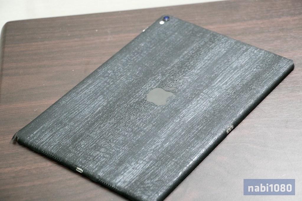 dbrand スキンシール iPhone iPad MacBook Pro16