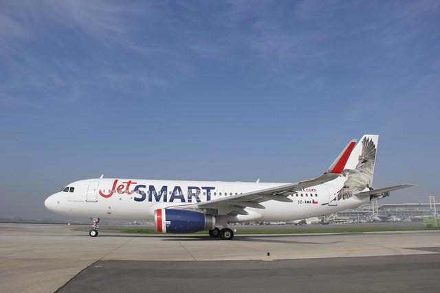 Airbus 320-232 CC-AWA