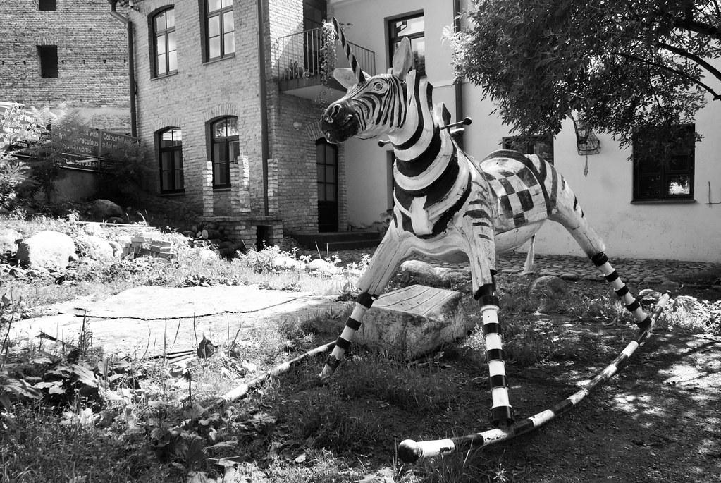 > Zebre licorne dans la république Uzupis de Vilnius.