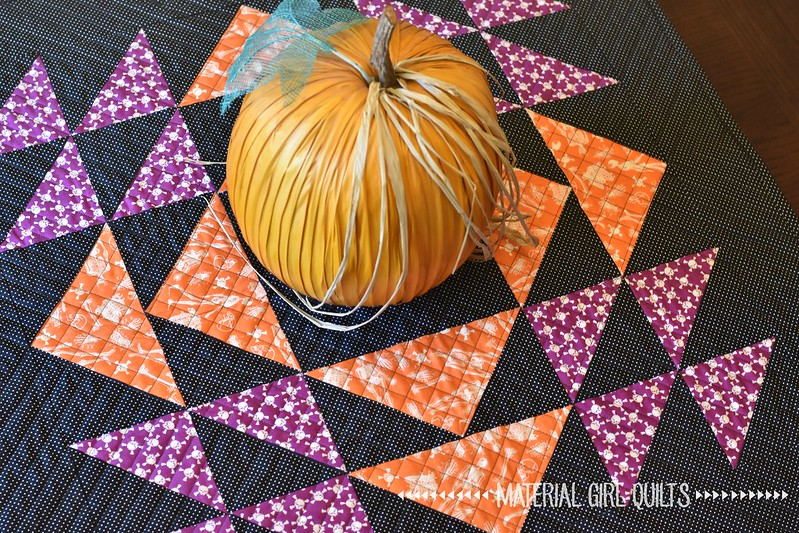 Homespun Halloween table topper quilt by Amanda Castor of Material Girl Quilts