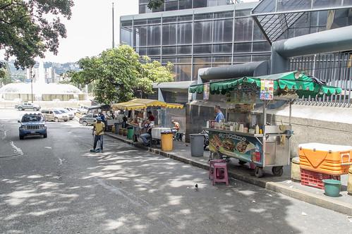 Caracas ofrece salir de la rutina con precaución