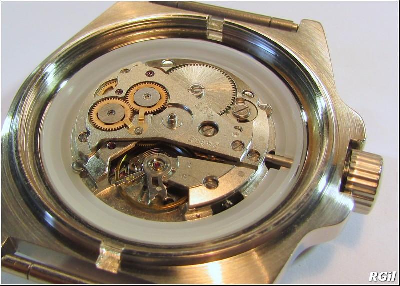 Ce qu´il y a dedans d´une Vostok Amphibia, avec des photos. 35846823591_3b4a720a2d_b