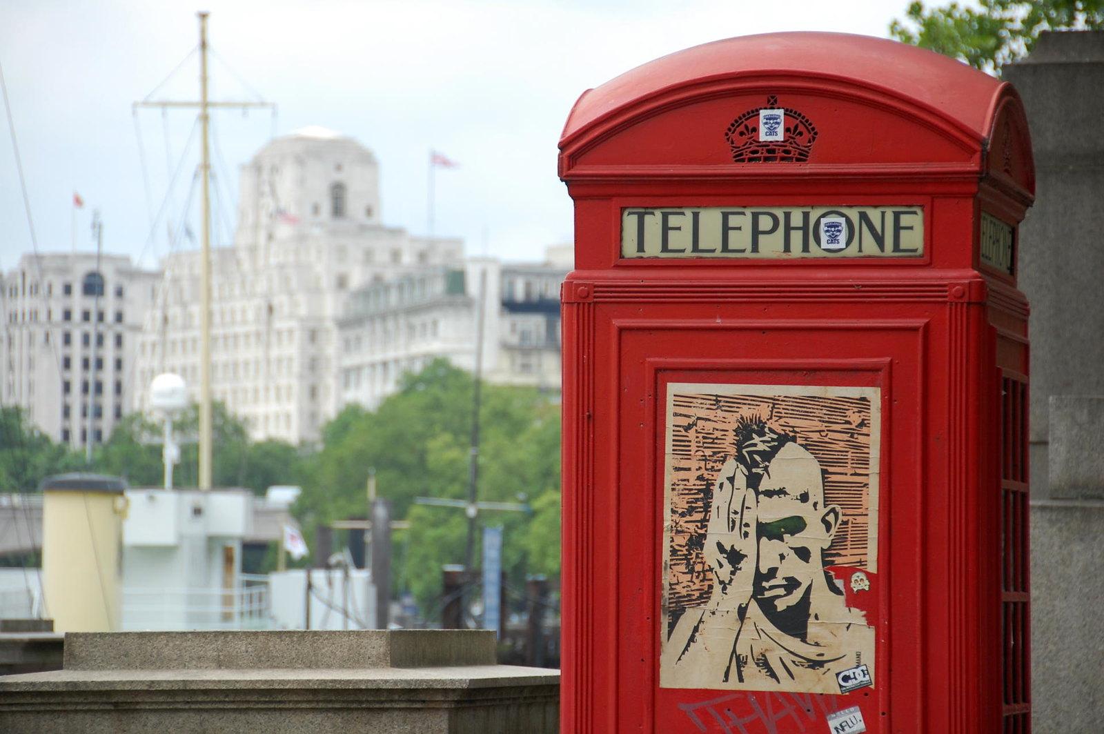 red-phone-box-london