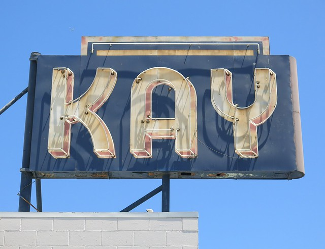 Kay Chesterfield Upholstery Sign, Canon POWERSHOT G15