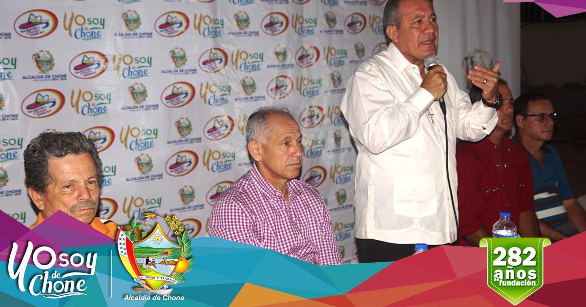 Alcalde Deyton Alcívar inauguró calle Rafael Correa