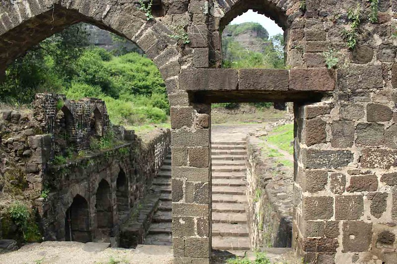 Letter from the Other Delhi -- A Walk in Daulatabad, the Tughlaqs' Other Capital