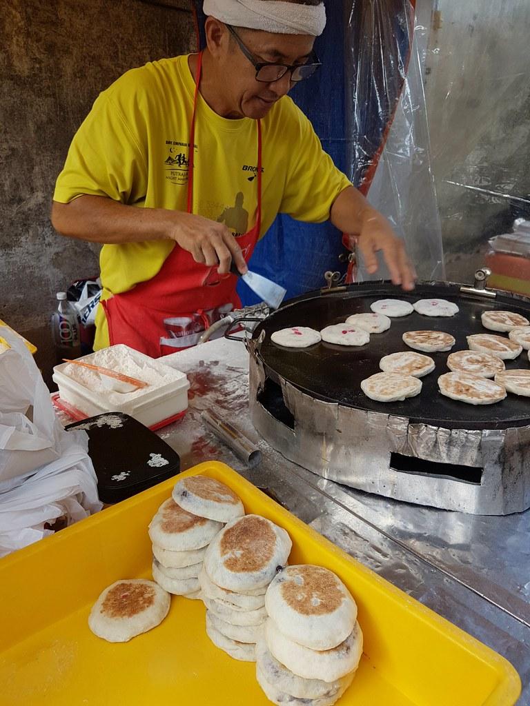 客家烧饼 $1.40/pcs @ OUG Night Market