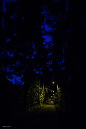 kuusankoski kouvola kesä yö kaupunki kauhu kaunis beautiful road north night exposure europe expression taivas tree tumma trees tie valo värikäs valotus colorful creative city urban finland art black blue strange street