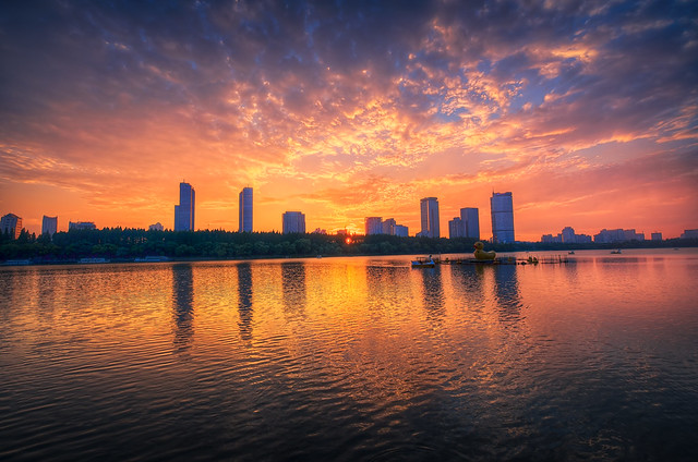 Sunset at Xuanwu Lake