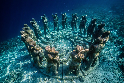 Nest, an Underwater Sculpture by Jason deCaires Taylor, Rises from the Seabed in Indonesia