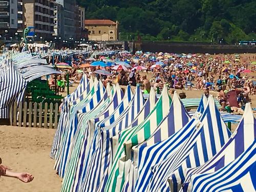 Hoy al mediodia en la playa de Zarautz
