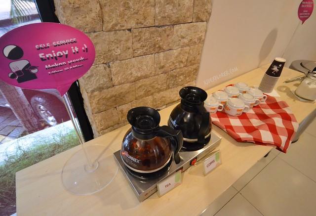 pop hotel teuku umar free coffee and tea