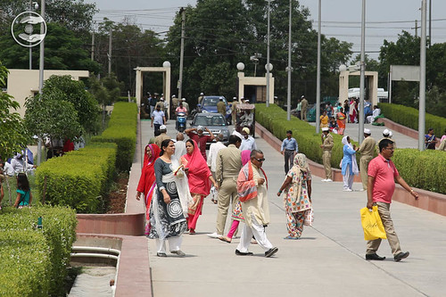 Arrival of devotees in the Satsang campus