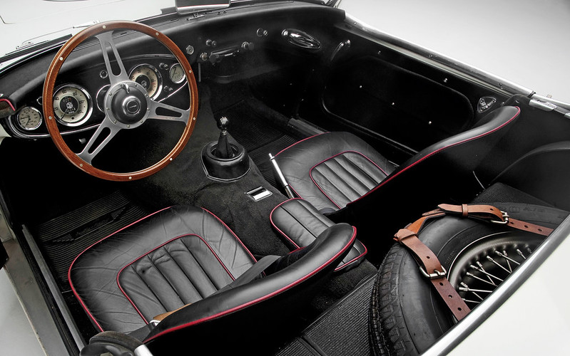 Austin-Healey-3000-interior